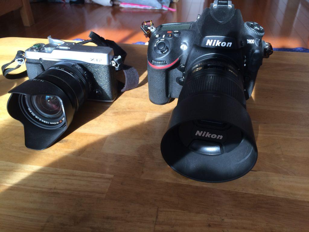 D800とXE-2大きさの比較。
