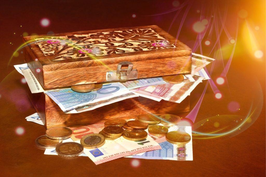 treasure-chest-619876_1920